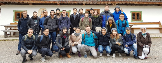 Minga Mentoring Schliersee 2017: group photo of the students in fron of a building at Schliersee